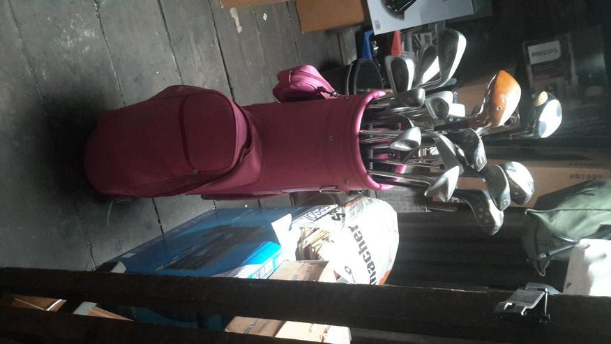Golfschläger mit Golftasche