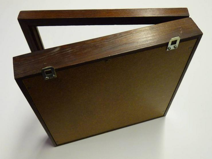 Bild 3: Bildwandkasten aus Holz mit Glasdeckel
