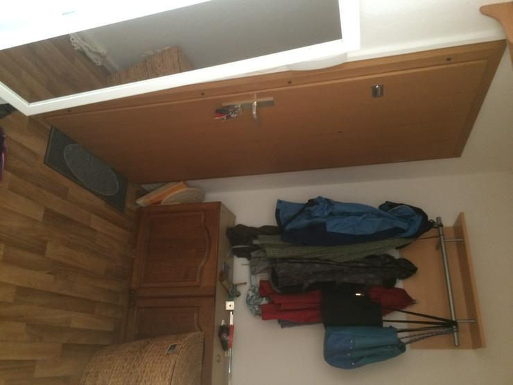 Bild 3: Mitbewohnerin gesucht, WG-komplett 1Zimmer, m. Balkon, in Coswig Anh. Küche, Bad parterre