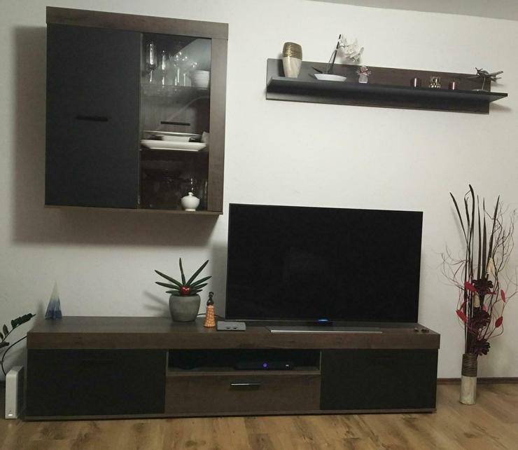 Wohnwand Kommode Lowboard Highboard Vitrine TV-Bank - Kompletteinrichtungen - Bild 1