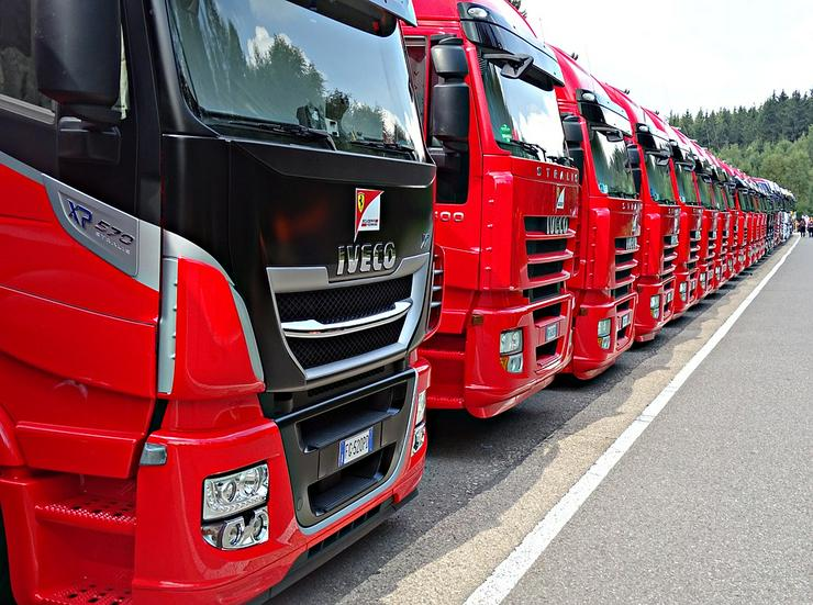 Kraftfahrer CE (M/W/D) Hamburg 14€ Std.+12€ Spesen+6€ Fahrgeld
