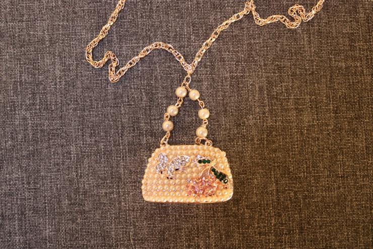 Bild 2: Modeschmuckkette, Strass, Perlen
