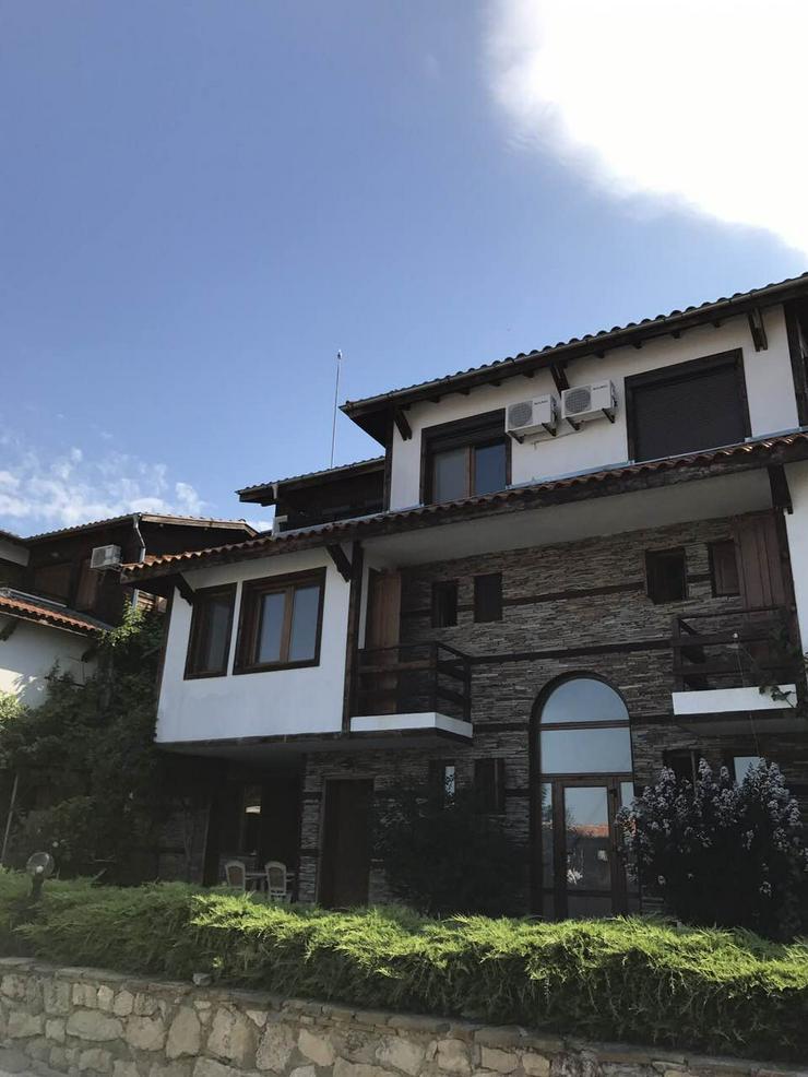 Voll möbliertes zweistöckiges Haus zum Verkauf im komplexen Sonnenhaus