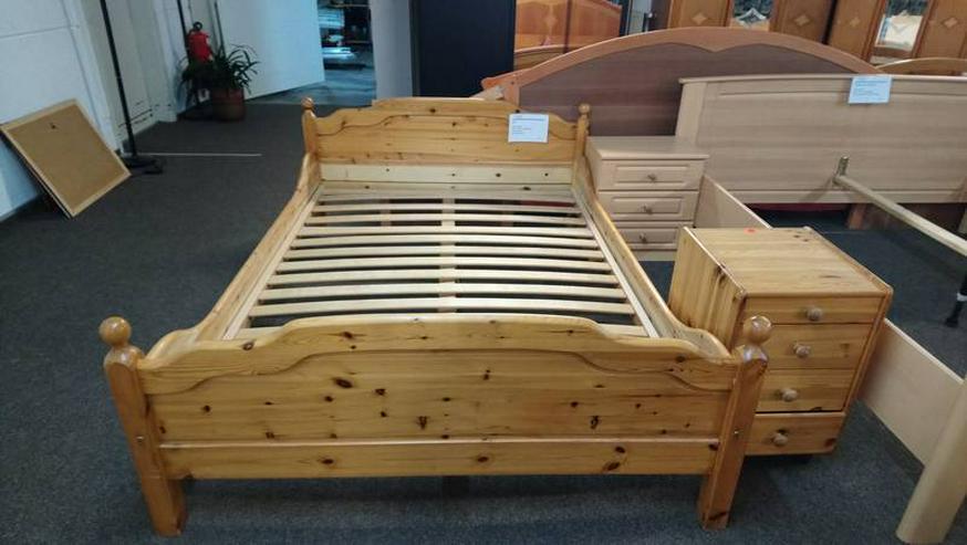 Bild 4: Schlafzimmer Bett Matratze Lattenrost Schrank