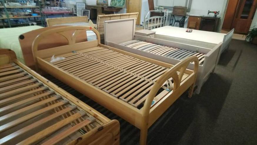 Bild 2: Schlafzimmer Bett Matratze Lattenrost Schrank