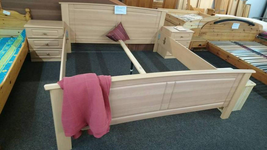 Bild 6: Schlafzimmer Bett Matratze Lattenrost Schrank