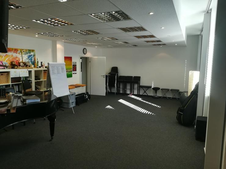 Unterrichts-Raum, Kurs-Raum, Seminar-Raum, Probe-Raum, Atelier, Studio, Büro