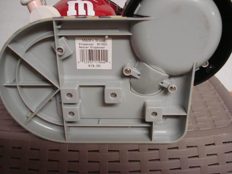 Bild 4: m&m`s Nascar Series Dispenser