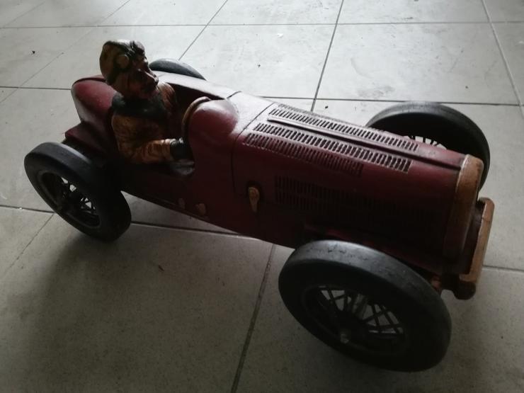 Modellauto Rennfahrzeug aus Holz zur Dekoration