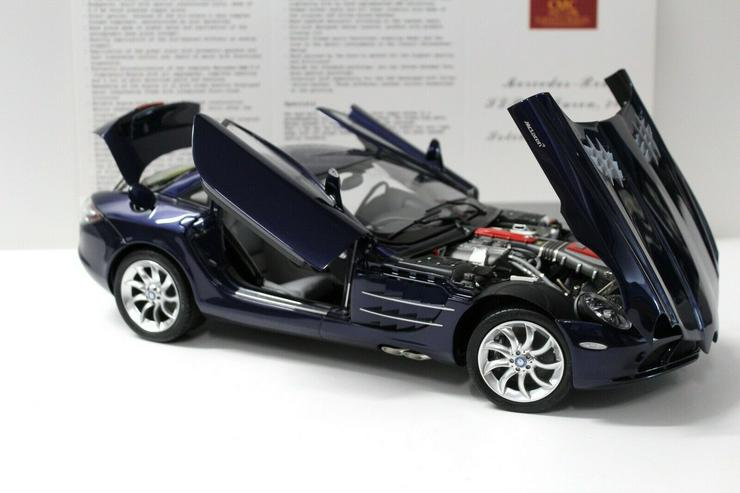 Bild 6: CMC Mercedes SLR McLaren 1:12 2003 dark blue C-006D NEW bei PREMIUM-MODELCARS