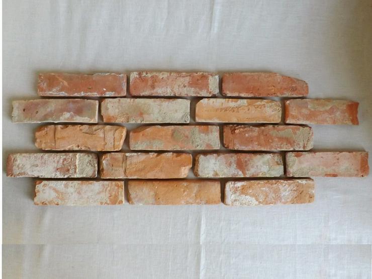 Bild 2: Klassisch rote Antikriemchen Klinkerriemchen original Mauerziegel aus der Region Verblender Ziegel Backstein rustikal Loftoptik Steinwand Wandverkleidung Wandpaneele Ziegelwand Fliesen
