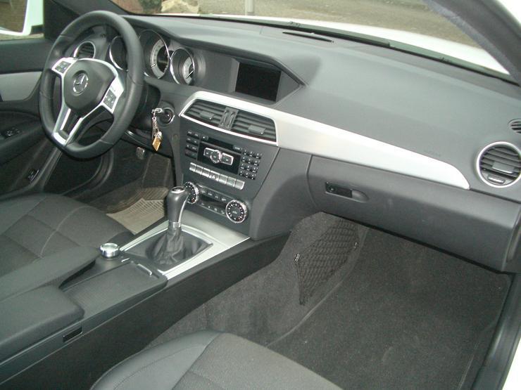 Bild 5: 180 C Coupe, weiß, Panoramaschiebedach, AMG Austattung
