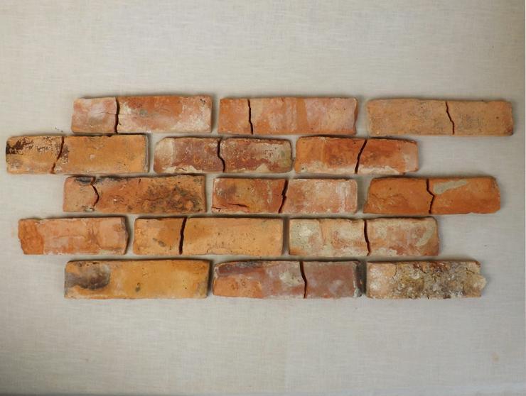 rustikale Mosaik Antikriemchen rote Klinkerriemchen alte Ziegelwand regional nachhaltige Verblender Loftoptik Steinwand Wandverkleidung Wandpaneele Fliesen