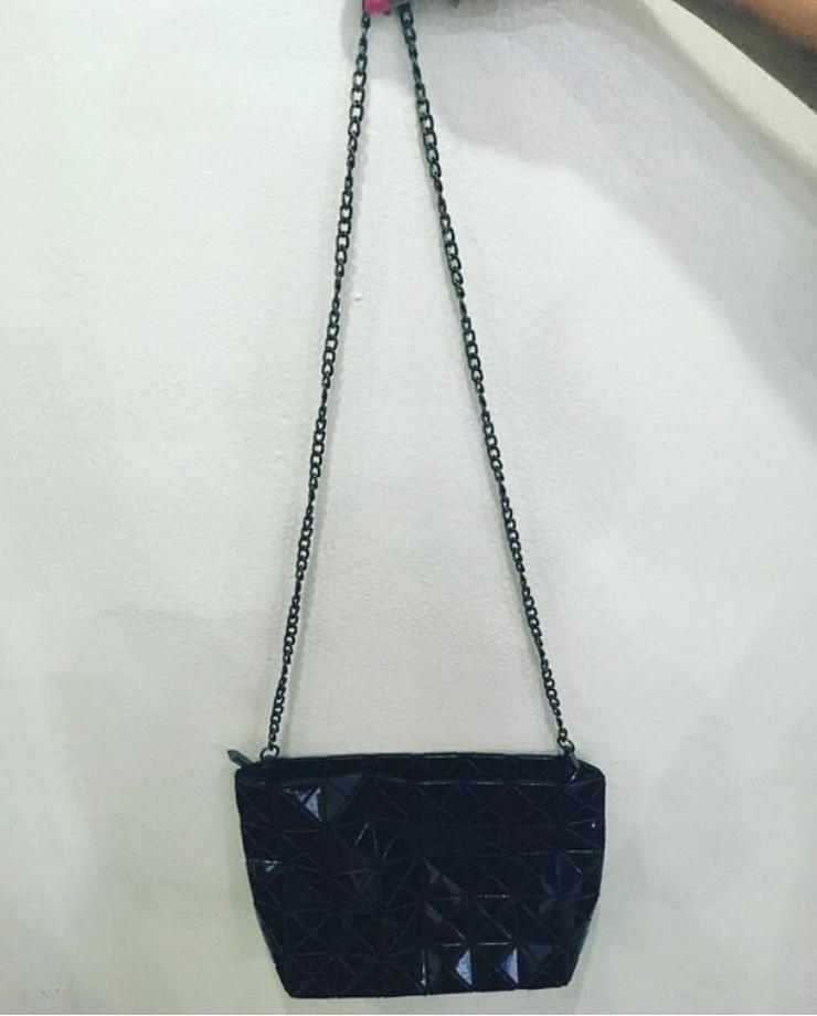Bild 2: Damenhandtasche Karaya Black Crossbody Bag Cityrucksack Shopper H