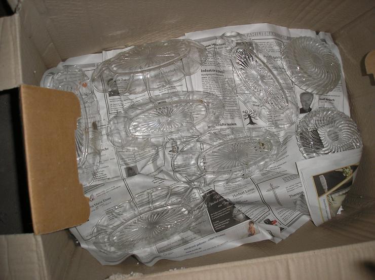 Bild 3: 4 Kartons voller schöer Glasartikel