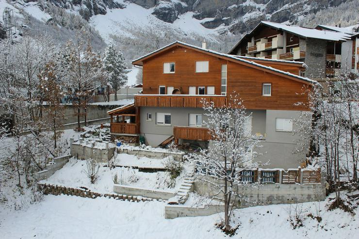 Gemütliches Chalet mit 3 Wohnungen im Zentrum von Leukerbad