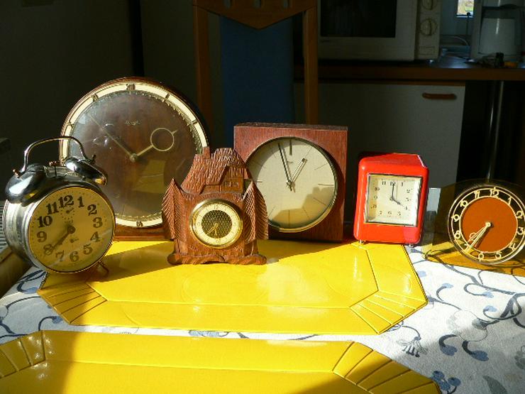 Bild 6: Uhren und mehr