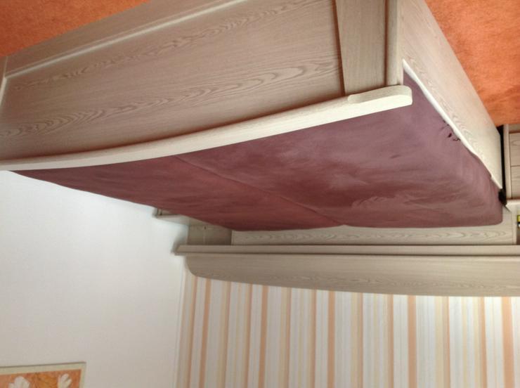 Komplettes Schlafzimmer oder Betten und Schrank getrennt. .