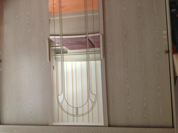 Kleiderschrank B.2,50m x T.0,60m xH. 2,20