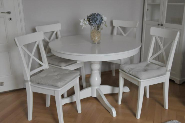 Esstisch rund, ausziehbar mit vier Stühlen