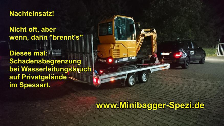Bild 8: Minibagger mit und ohne Fahrer  /  Baumstumpf entfernen