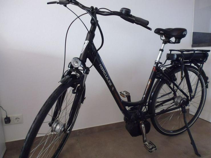 Bild 2: E-Bike  EBike Elektrofahrrad Herkules Roberta 8 neuwertig
