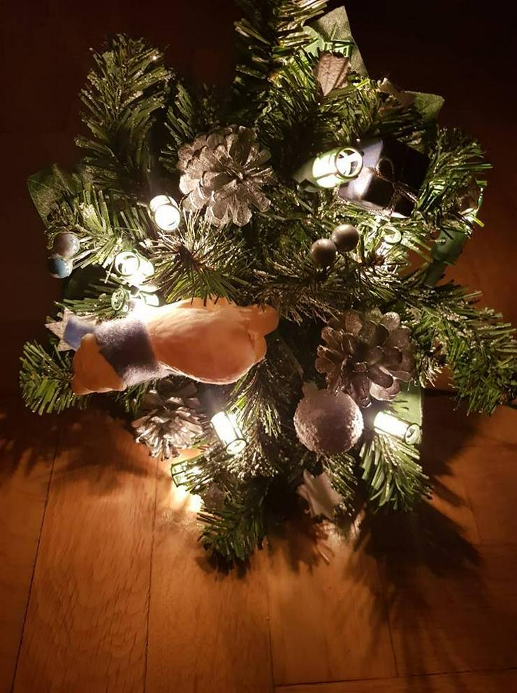 Bild 2: Weihnachtsstrauss mit Lichtern