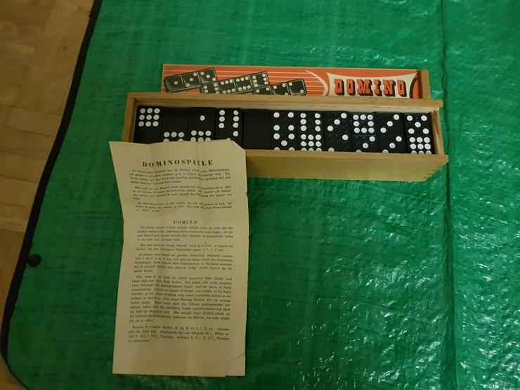 Bild 2: Altes Dominospiel in Holzschatule!!