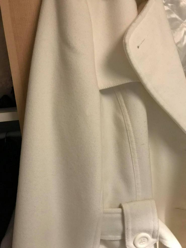 Bild 4: Weiße Jacke in neuwertigen Zustand
