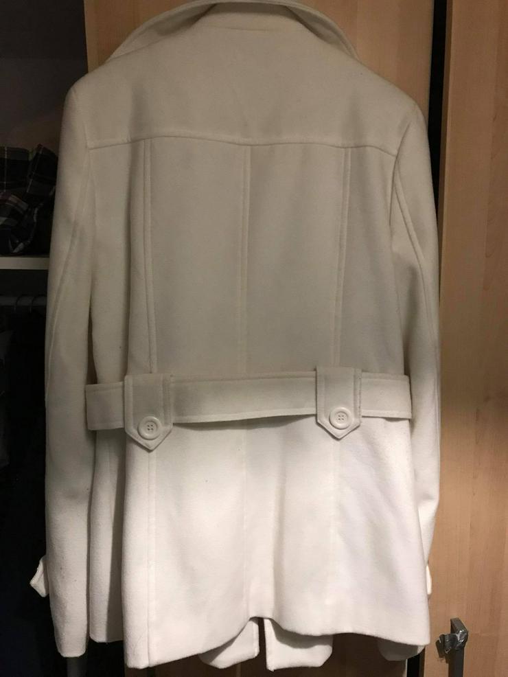 Bild 6: Weiße Jacke in neuwertigen Zustand