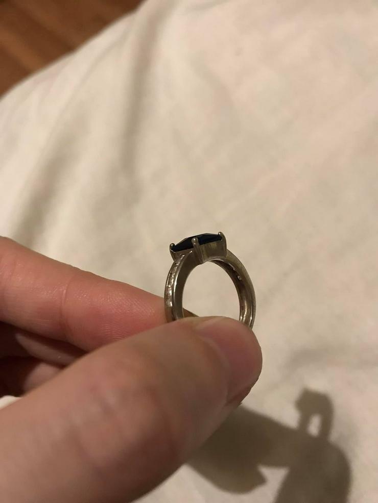 Bild 2: Silber Ring mit blauer Zirkone neuwertig