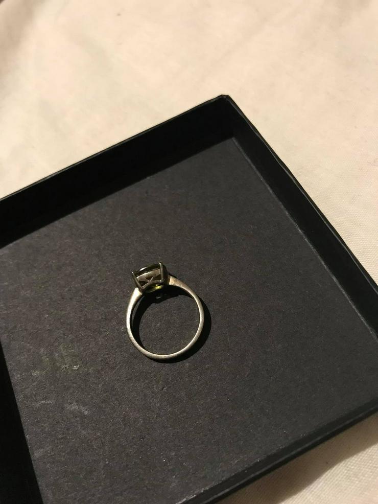 Bild 2: Silber Ring mit grüner Zirkone neuwertig