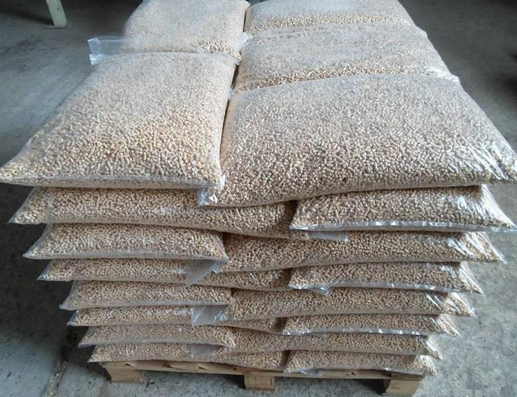 Säcke Holzpellets a 15 kg
