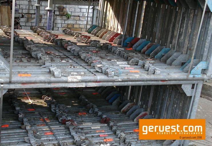 Bild 6: 126 m² Layher Blitz Arbeitsgerüst   Robustböden + Durchstiege