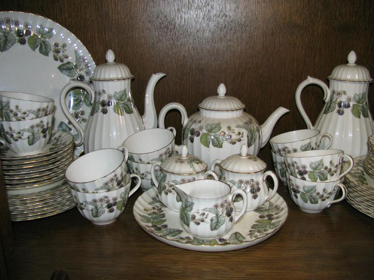 "Kaffe/Teeservice ""LAVINIA"" von Royal Worcester (England)"
