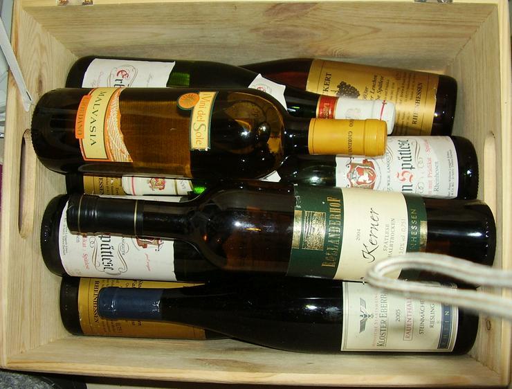Verkaufe 9 Weinflaschen von 1999-2004 - Sonstiger Weißwein - Bild 1