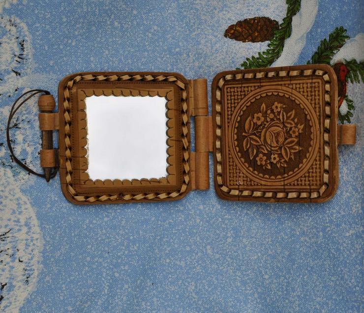 Handgemachte Taschenspiegel mit einem Deckel aus natürliche Birkenrinde