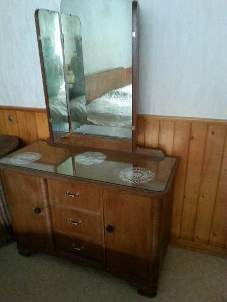 Bild 4: antikes Schlafzimmer