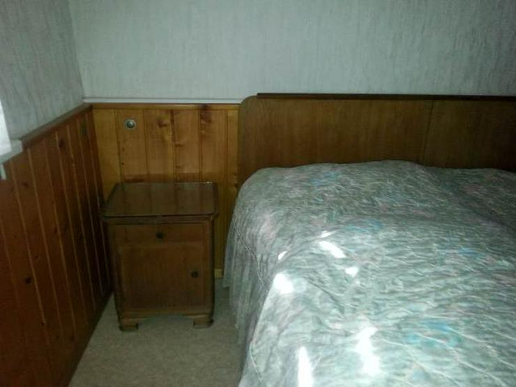 Bild 2: antikes Schlafzimmer