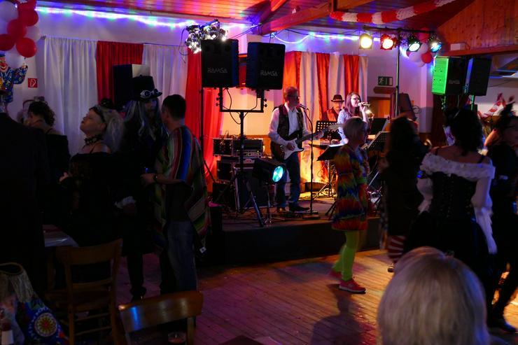 Partyband HELICOPTER Liveband für ihre Karnevalsparty/Sitzung