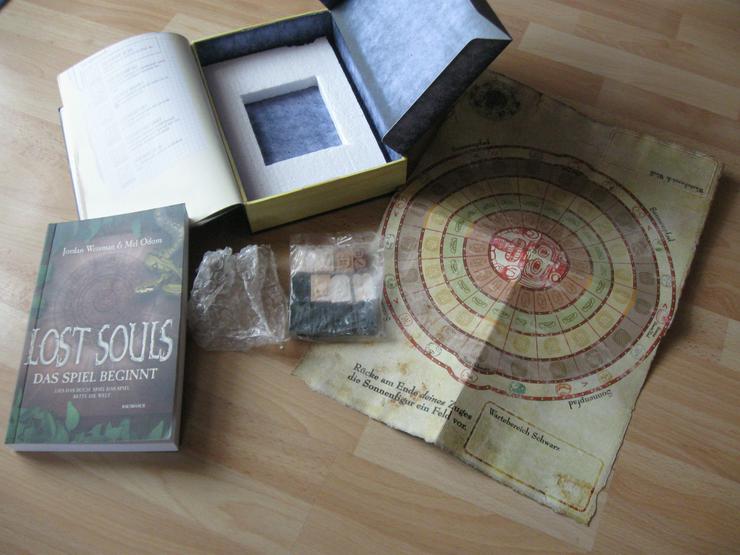 Bild 6: Lost Souls-Das Spiel beginnt; Spielbrett u. Figuren
