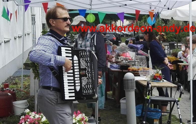 Bild 3: Akkordeonspieler in Essen, Epe, Emsdetten, Everswinkel