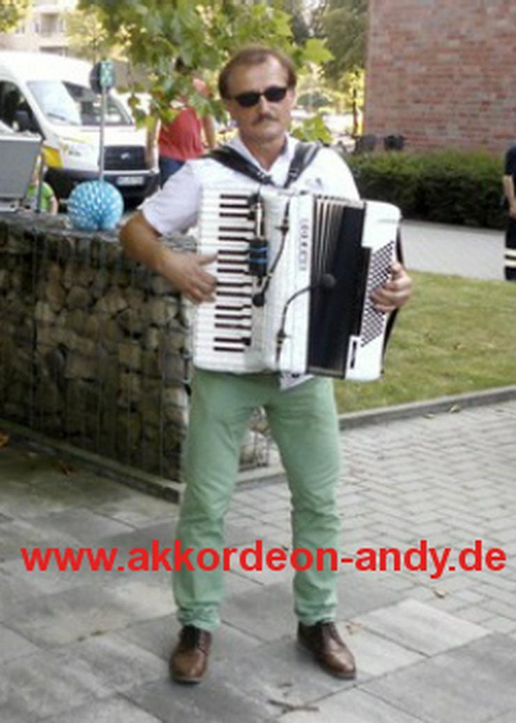 Bild 2: Akkordeonspieler in Essen, Epe, Emsdetten, Everswinkel