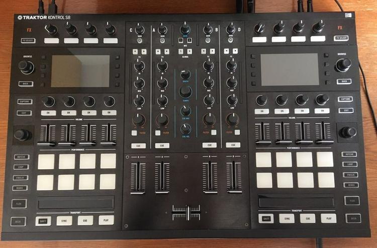 Neuwertig NI Traktor Kontrol S8 DJ Controller