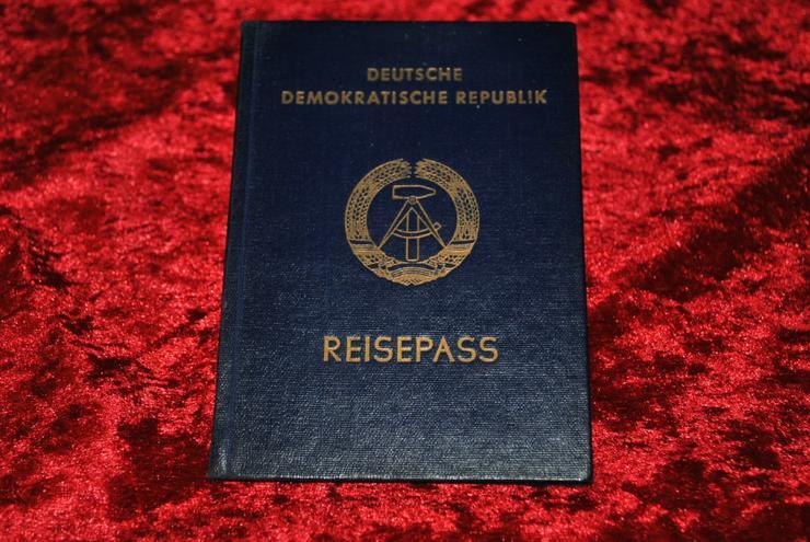 DDR GDR Pass Reisepass Passport mit Visa ausgestellt 1989 Mauerfall! Selten!