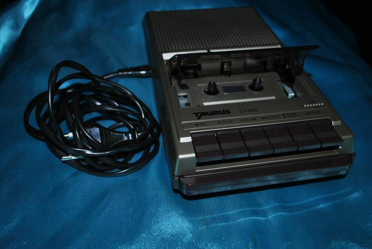 Bild 2: Kassettenrecorder Taurus CT600 Tragbarer Kassettenabspieler Eingebautes Mikrofon