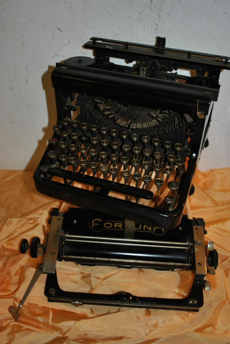 Antike Schreibmaschine vom Typ Fortuna / defekt - um 1930 - Sammlerobjekt