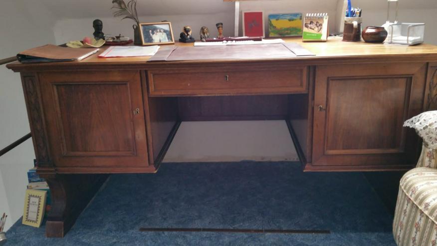 Schreibtisch und Schrank (Tischleranfertigung)
