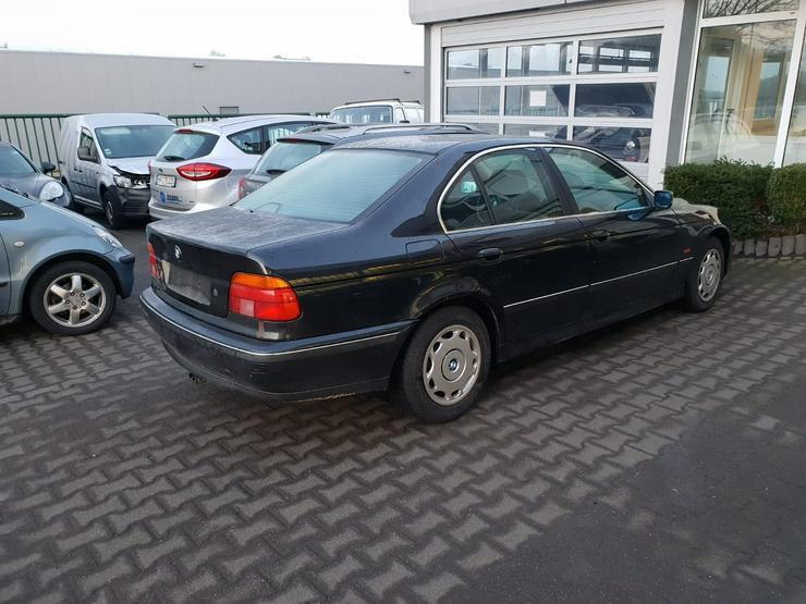 BMW 520 I Limosine mit Schiebedach
