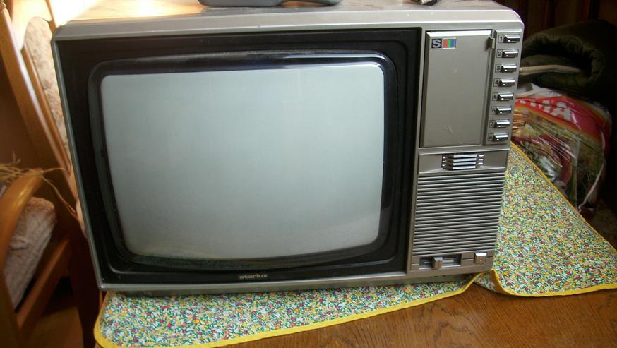 Bild 2: Fernseher-röhren